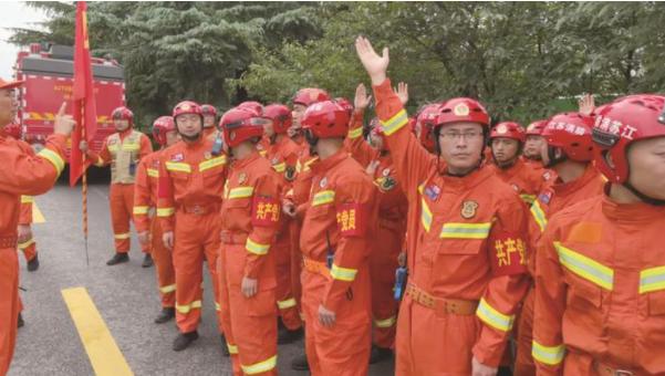 南通66名消防指战员星夜驰援河南