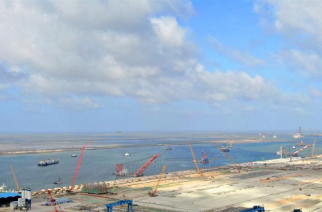 通州湾新出海口吕四起步港区工程建设展现新貌